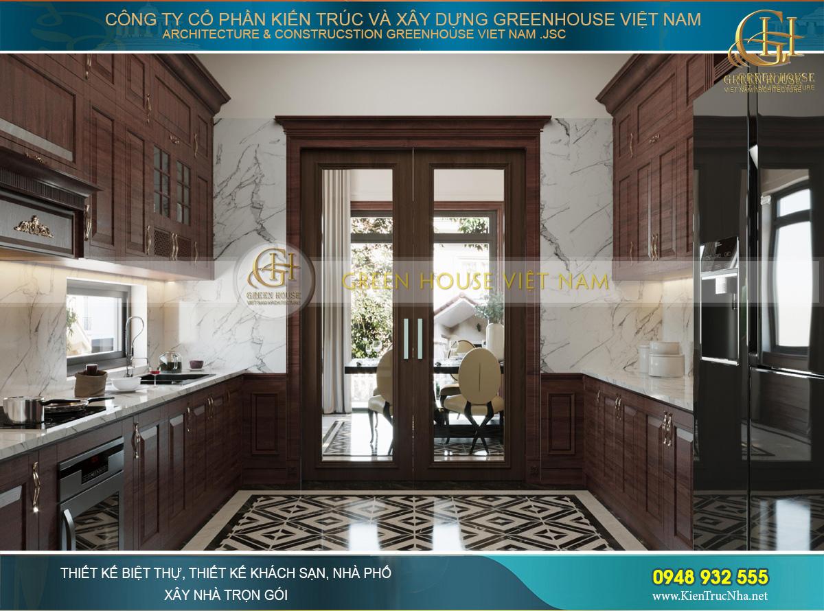 Phòng ăn và phòng bếp được ngăn cách bằng cửa kính để không bay mùi thức ăn hay tiếng ồn ra ngoài